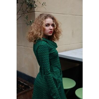 Foto van Jurk Halbmond, kort model met groen zwart Jaquard patroon