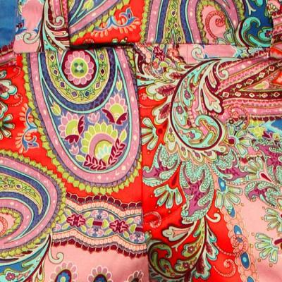 Foto van Chenaski | Kleurrijke paisley pantalon met uitlopende pijpen