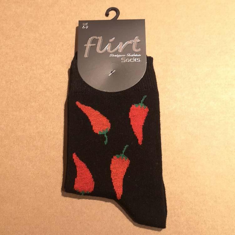 Flirt | Zwarte sokken met rode pepers