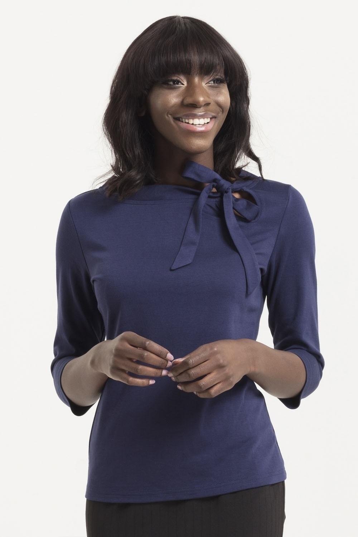 Top Melanie, navy blauw met hals strik