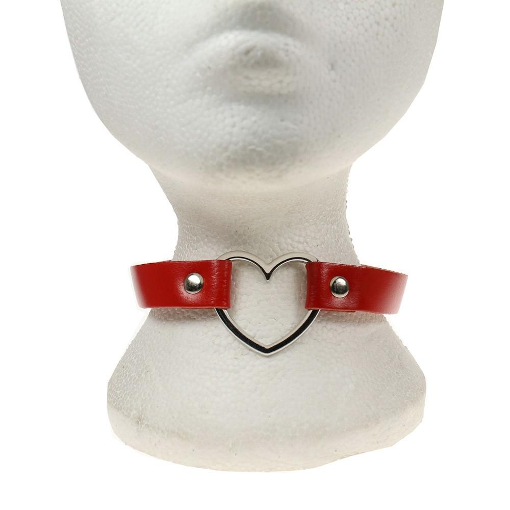 Leren halsband, rood met zilverkleurige hartvorm
