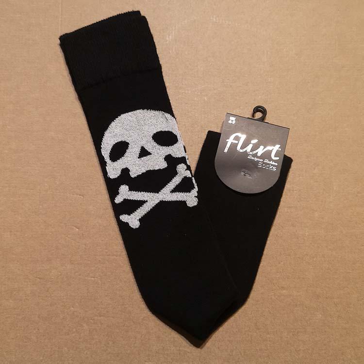 Flirt | Zwarte overknee sokken met witte doodskop