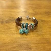Foto van Izzyz fotobedel armband leer dubbel bruin /blauw kraaltjes