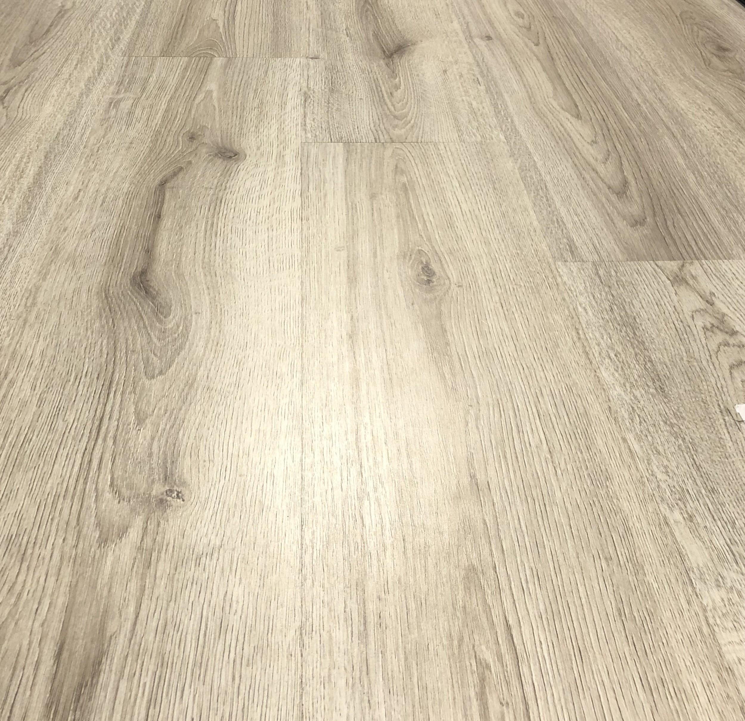 Voorkeur Kronotex Trend Eiken Grijs inclusief ondervloer + deel plint LF75