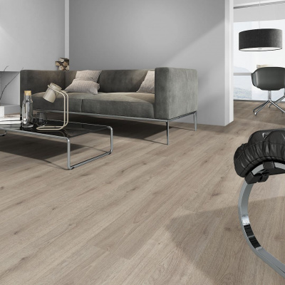 Foto van Kronotex Trend Eiken Grijs D3126 inclusief* ondervloer + deel plint!