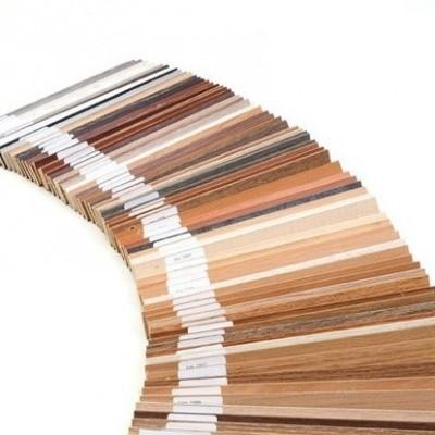 Bijbehorende houten plakplinten