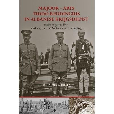 Foto van Majoor-arts Tiddo Reddingius in Albanese krijgsdienst