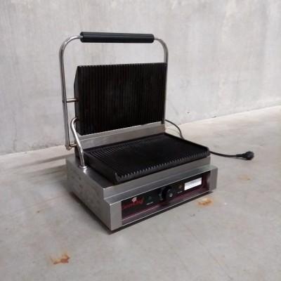 Tosti ijzer ( contactgrill ) 41 * 40 cm 2200 Watt