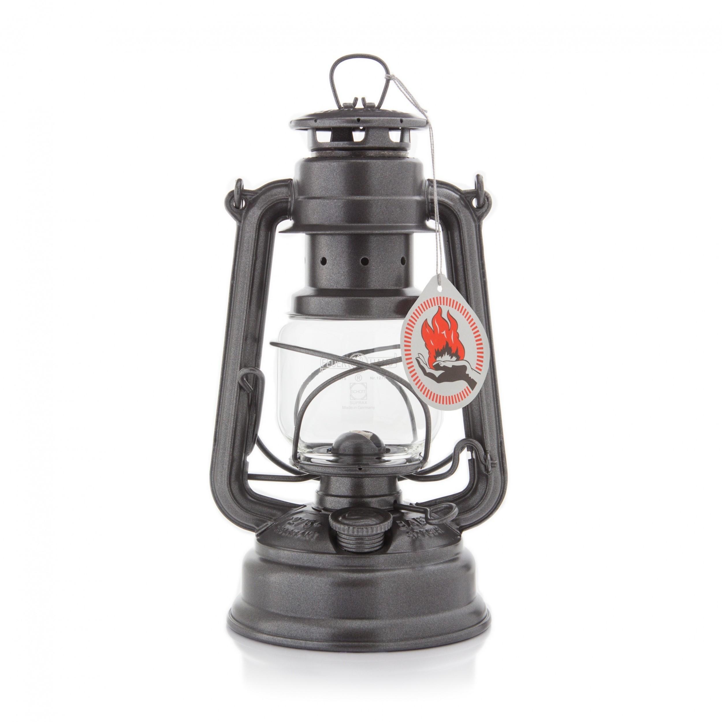 Foto van Feuerhand stormlamp sparklin iron