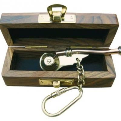 Bootsmansfluit sleutelhanger in houten kistje