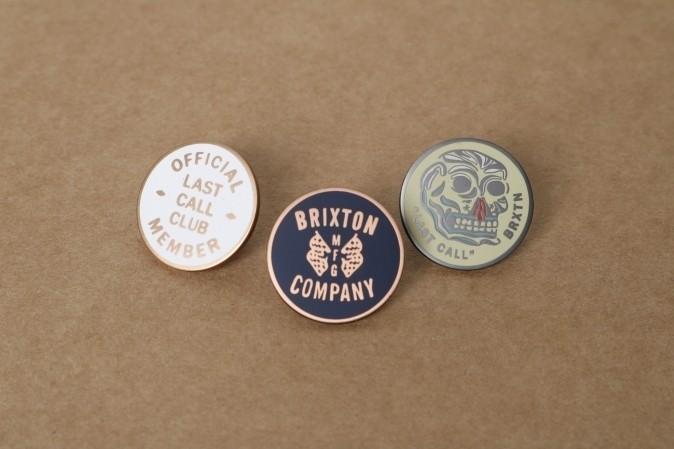 Afbeelding van Brixton 05131-0931 Pins Last call Multi