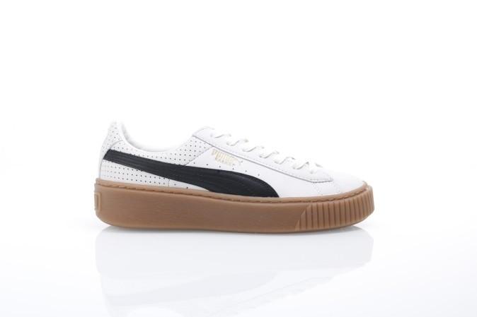 Foto van Puma Ladies 366807-01 Sneakers Basket platform perf gum Wit