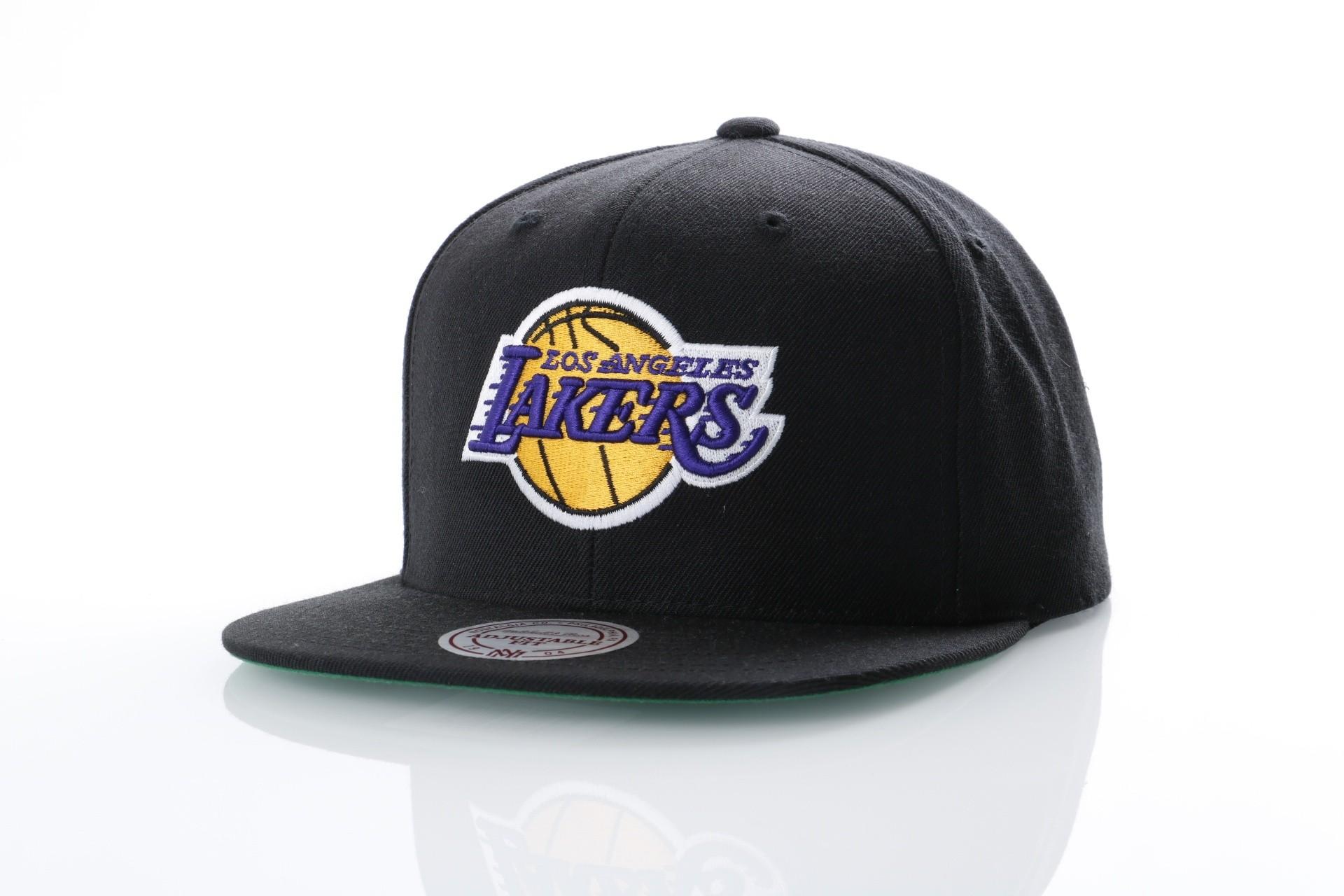 Foto van Mitchell & Ness NL15Z Snapback cap Wool solid LA Lakers Zwart