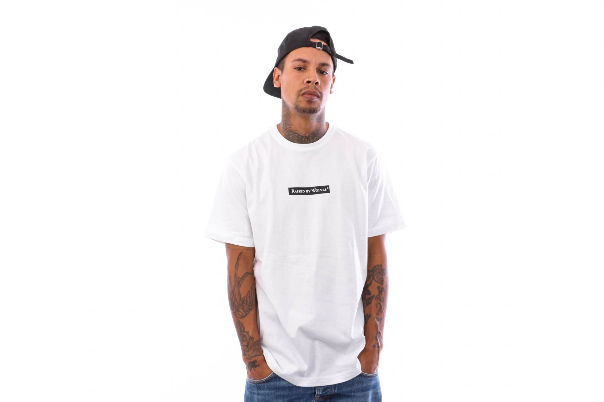 Foto van Raised by Wolves Registered Box Logo Tee RBWFW18501 t Shirt White Jersey