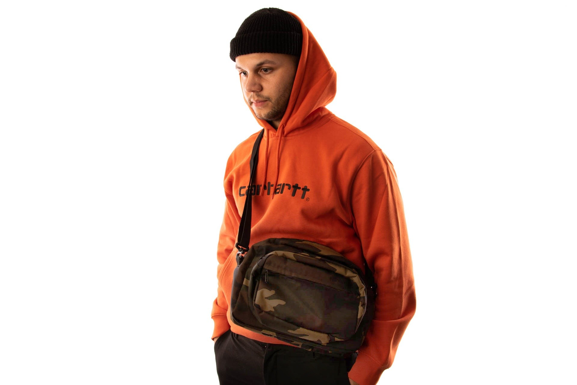 Foto van Carhartt WIP Payton Shoulder Bag I025414 Schoudertas Camo Laurel / Black