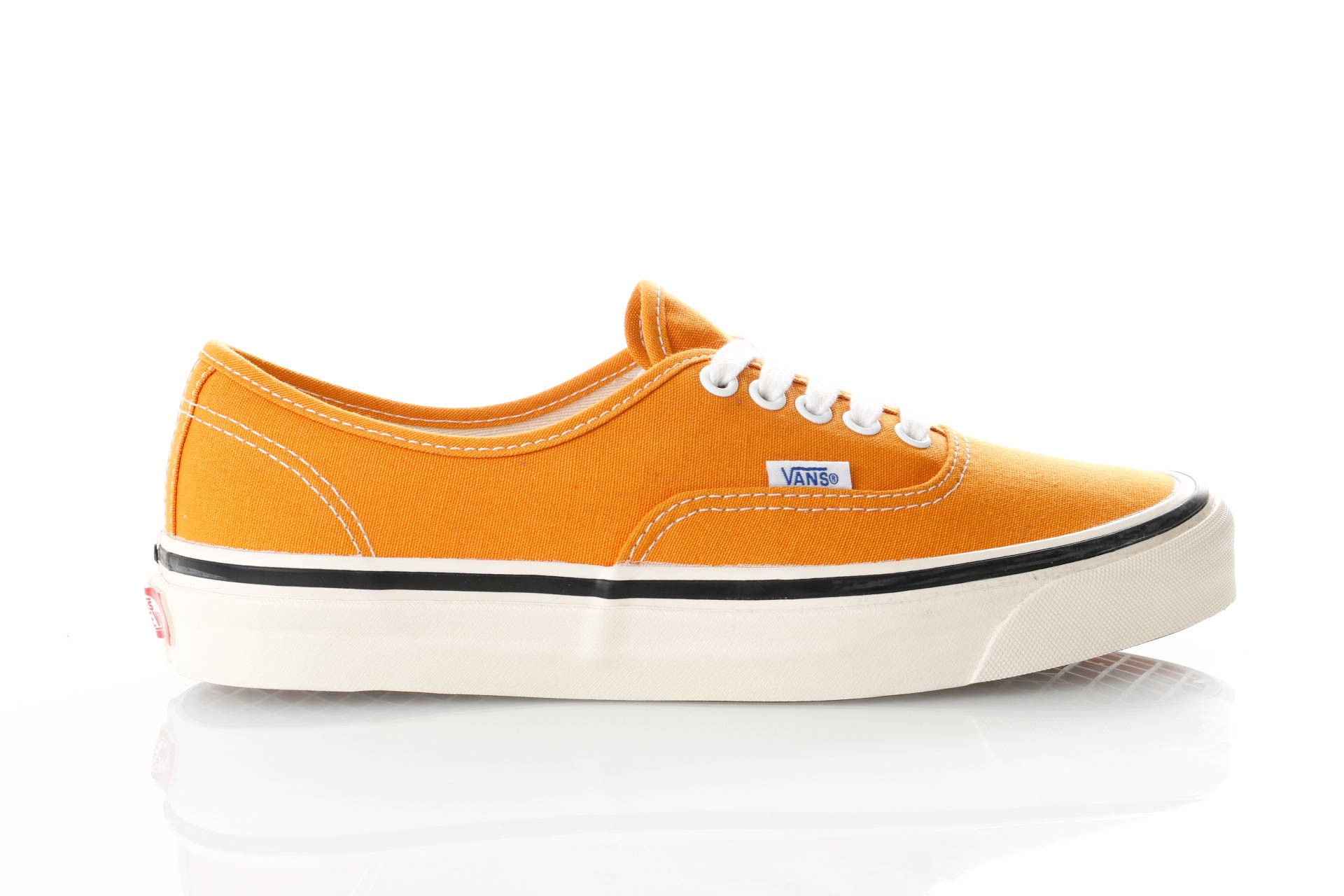 Foto van Vans UA Authentic 44 DX VN0A38ENQA71 Sneakers (ANAHEIM FACTORY) OG GOLD