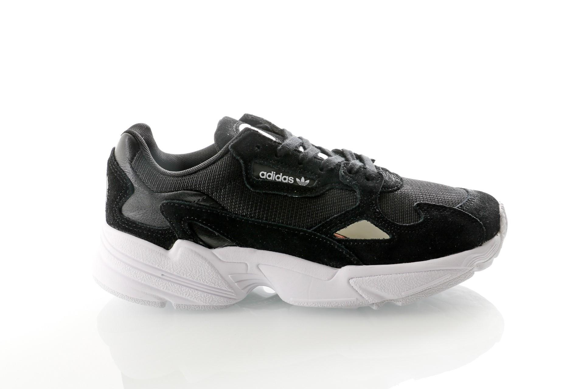 Foto van Adidas Falcon W B28129 Sneakers core black/core black/ftwr white