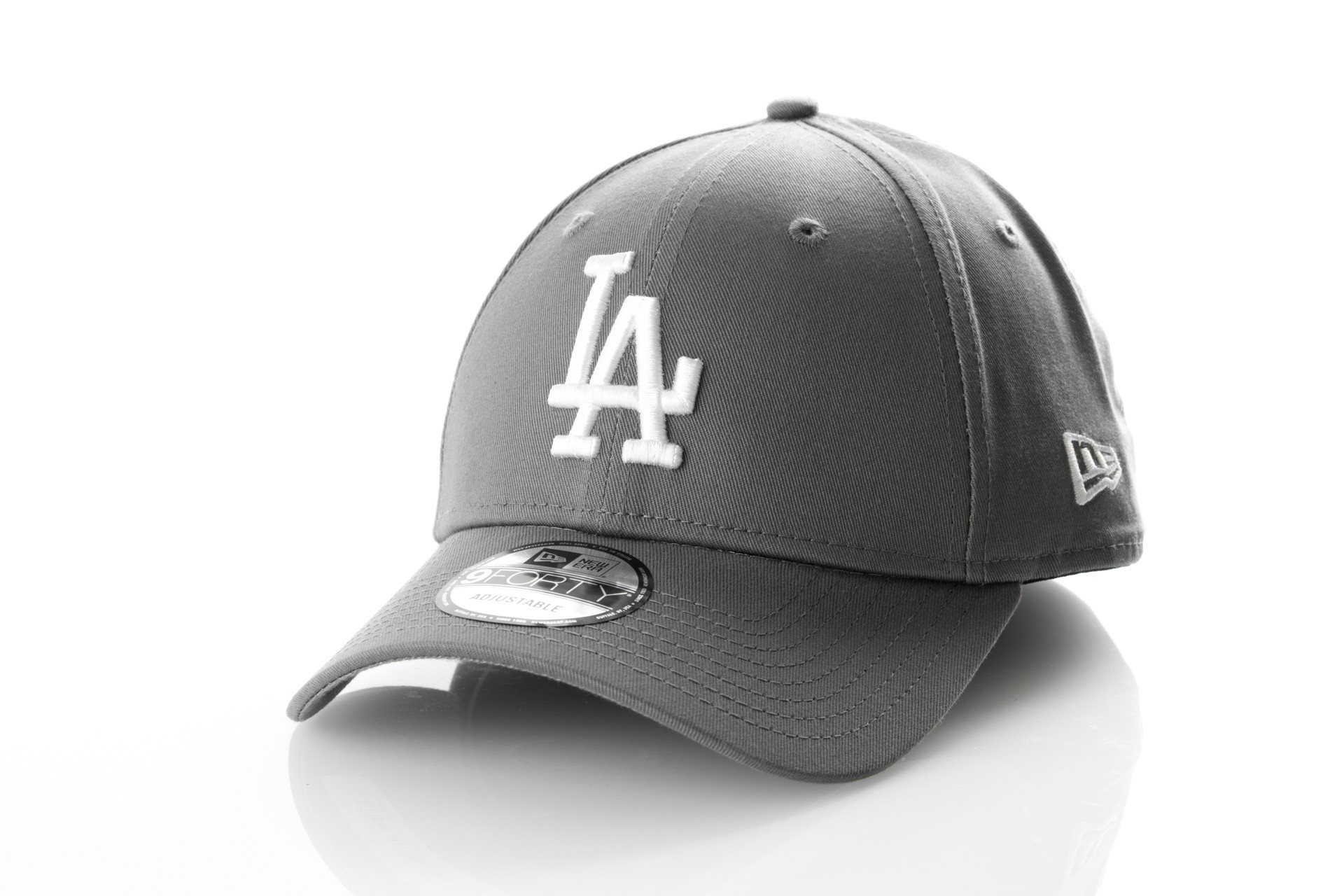 Foto van New Era LEAGUE ESSENTIAL 9FORTY LOS ANGELES DODGERS 11794681 Dad cap STORM GRAY/OPTIC WHITE MLB
