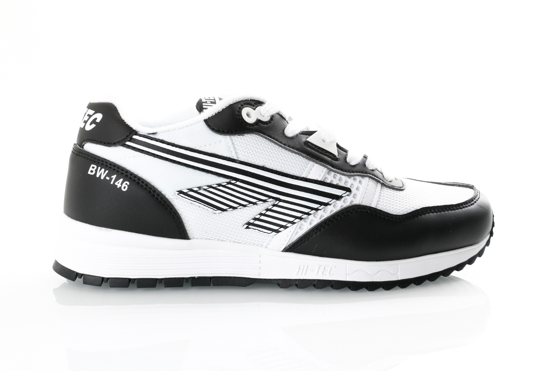 Foto van Hi-Tec Bw 146 S010003/021 Sneakers Black/White