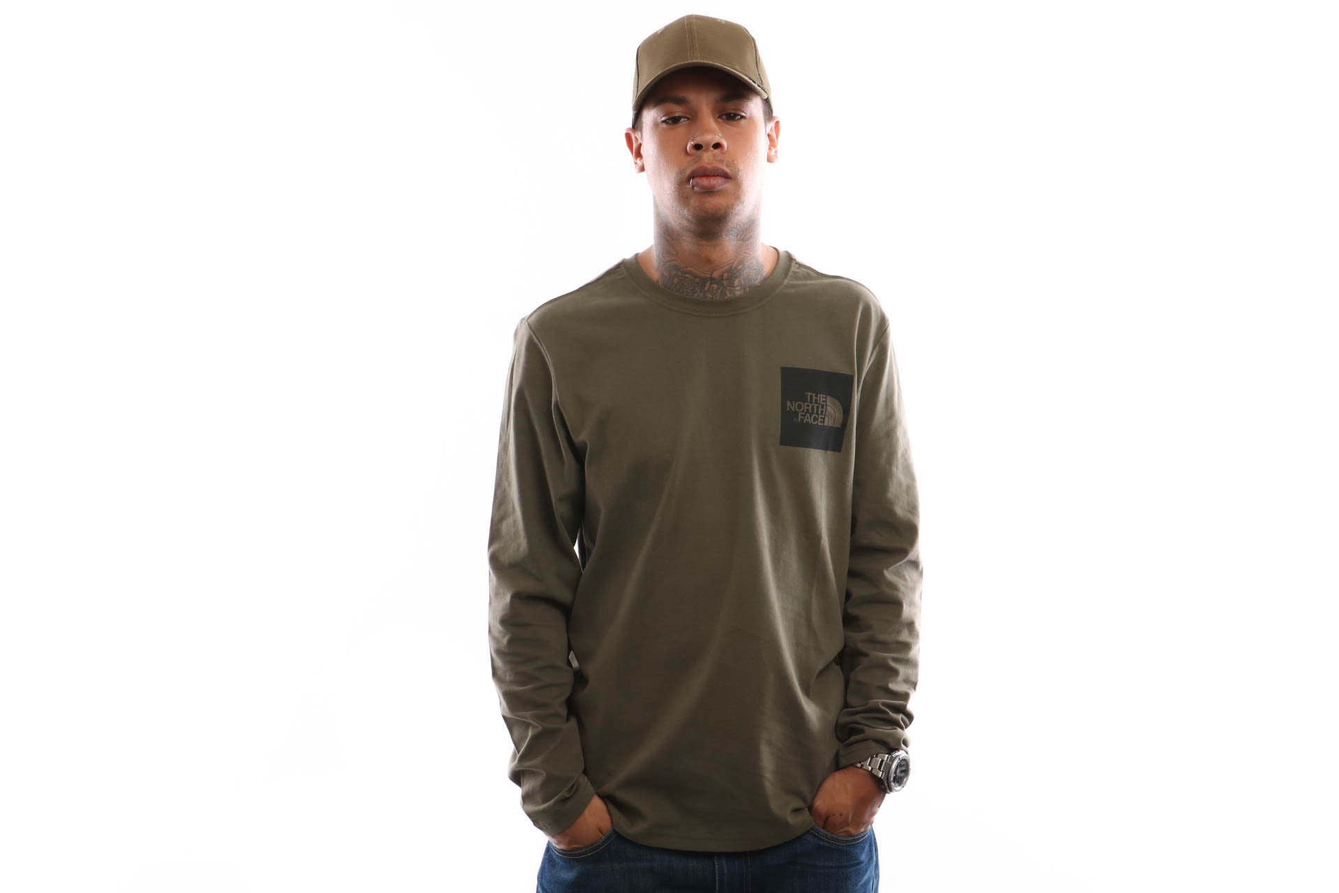 Foto van The North Face M L/S Fine Tee T937Ft Longsleeve New Taupe Green
