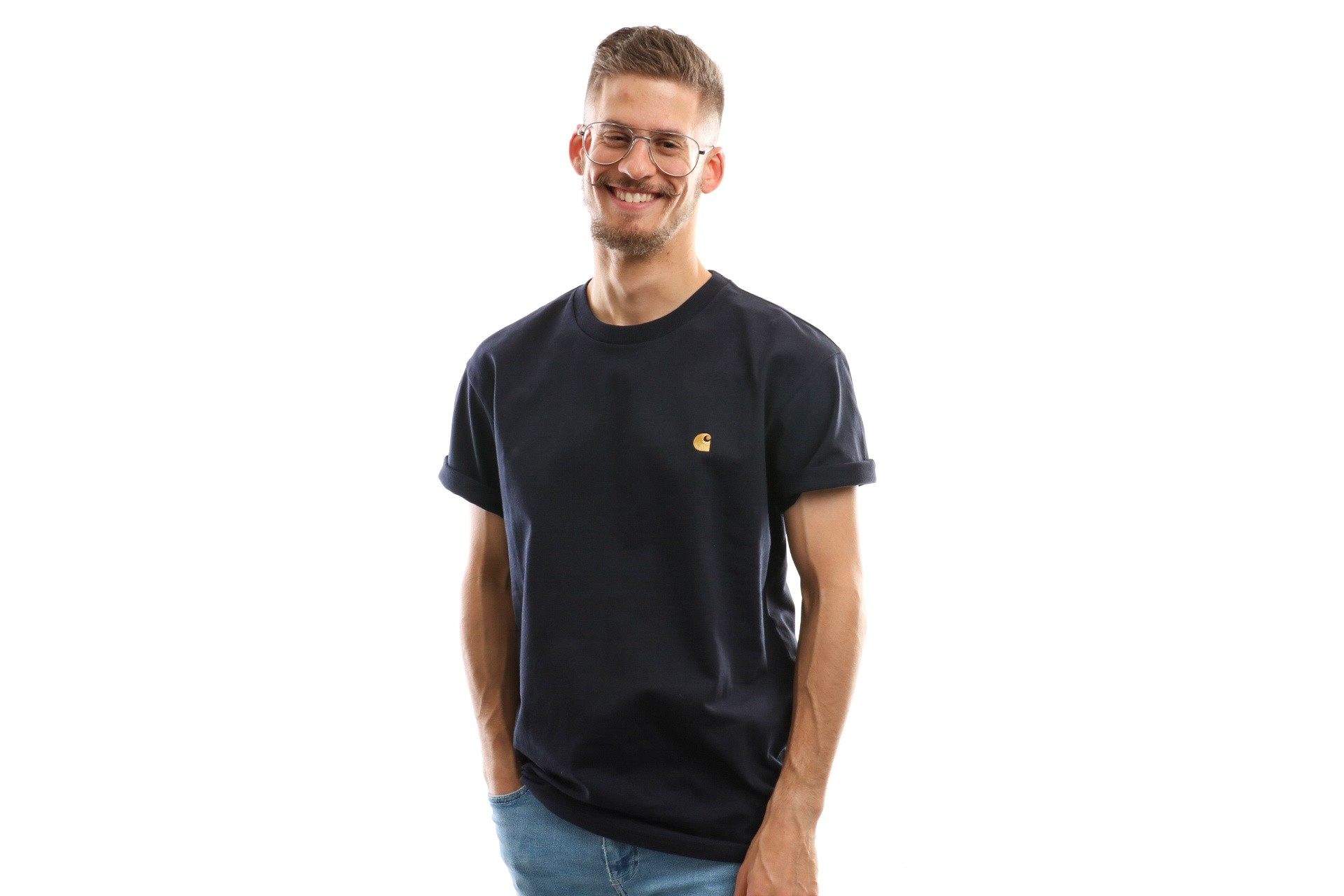 Foto van Carhartt Wip T Shirt S/S Chase T-Shirt Dark Navy/Gold