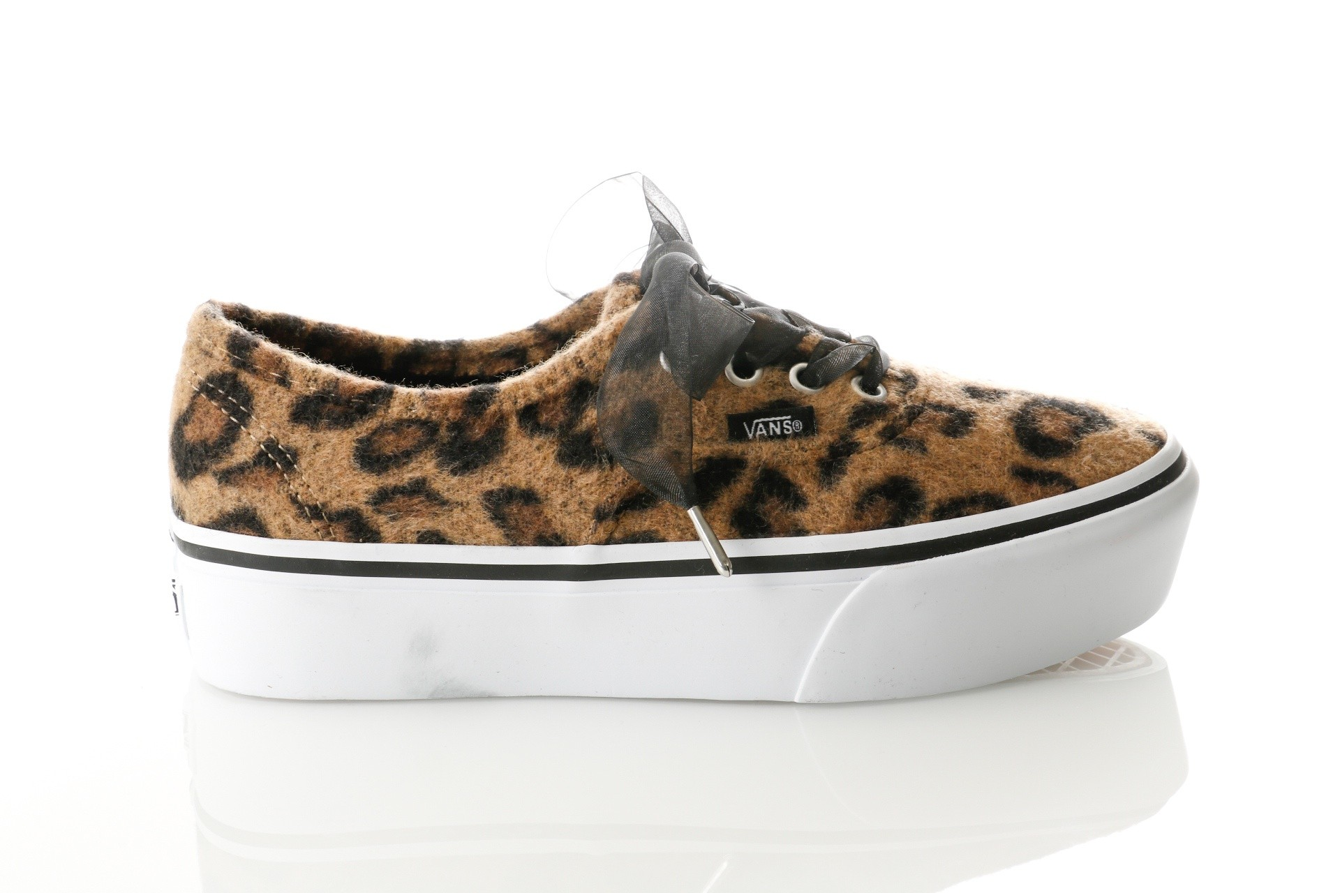 Foto van Vans UA Authentic Platform 2.0 VA3AV8RSO Sneakers (Fuzzy) leopard/true white