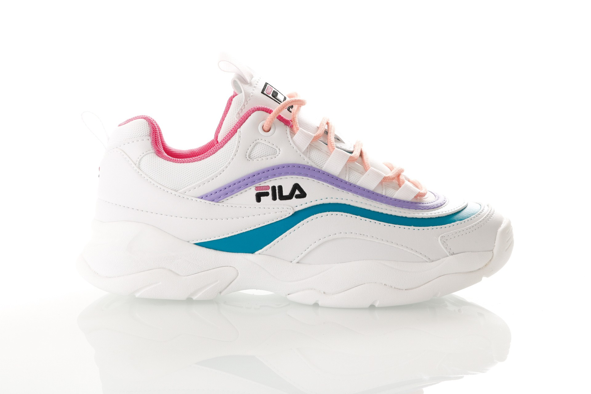 Foto van Fila Ray Low Wmn 1010562 Sneakers White/Very Berry / Caribbean Sea