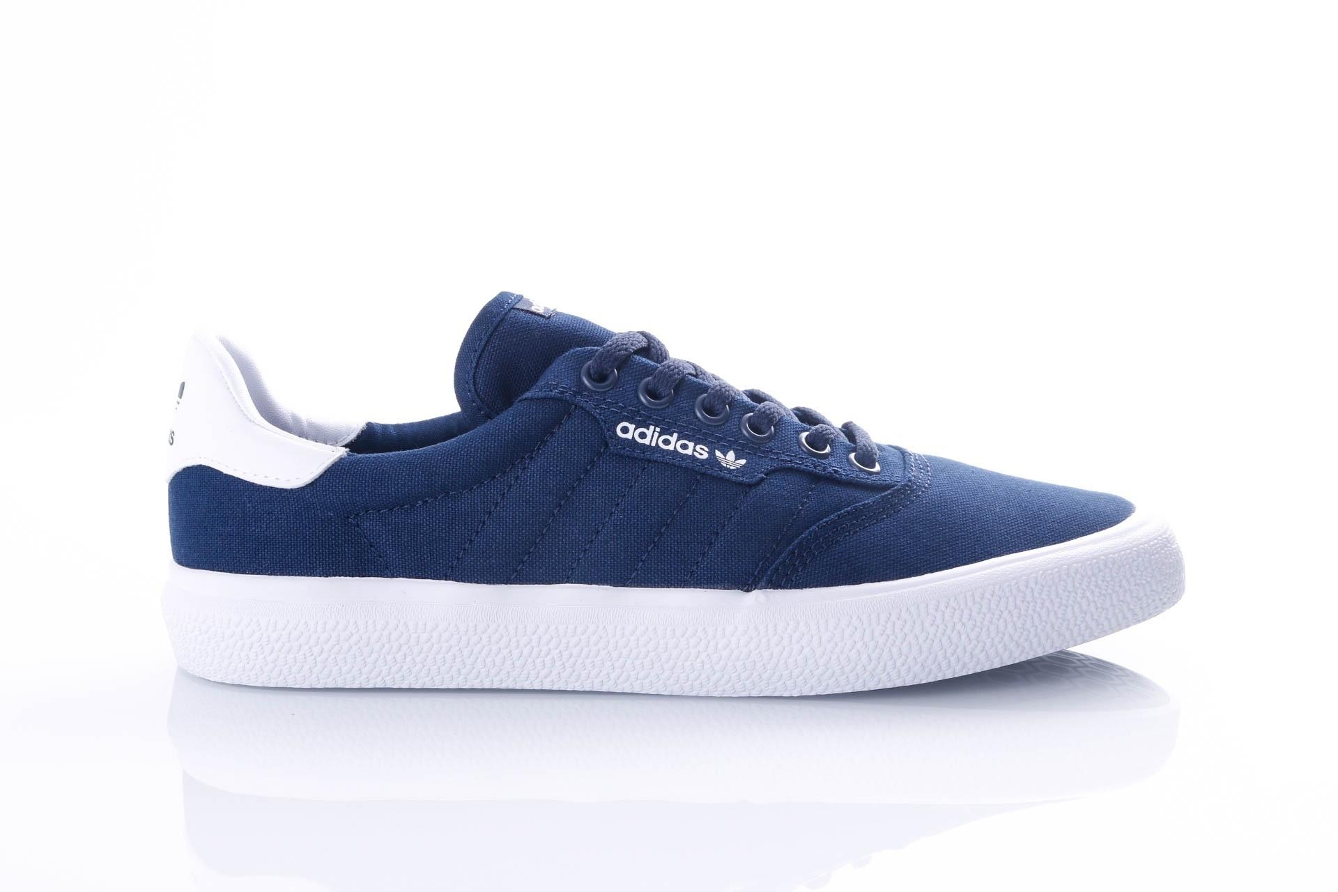 Foto van Adidas 3MC B22707 Sneakers COLLENAVY/COLLENAVY/FTWRWHITE