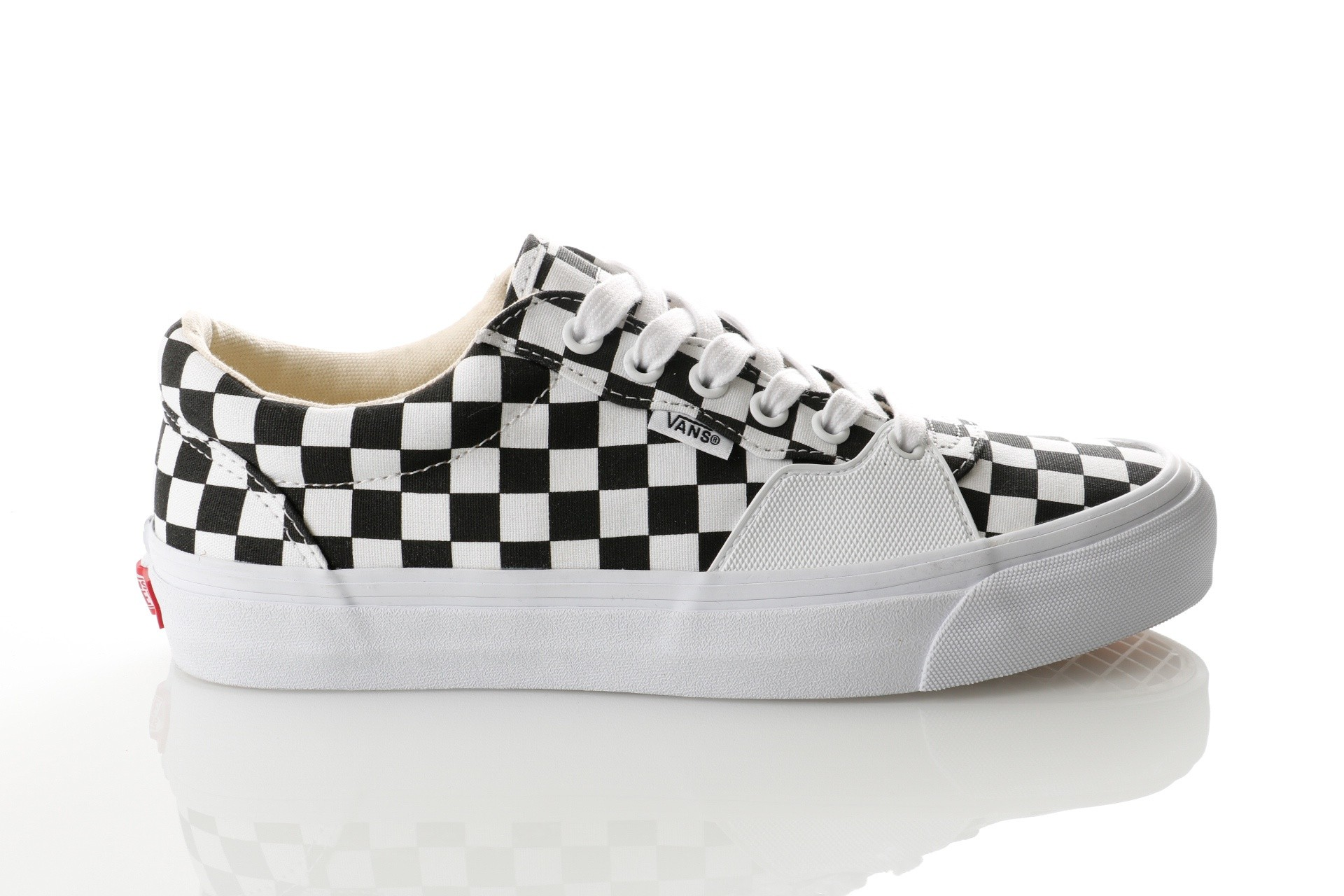 Foto van Vans UA Style 205 VA3DPT5GU Sneakers (Checkerboard) black/true white