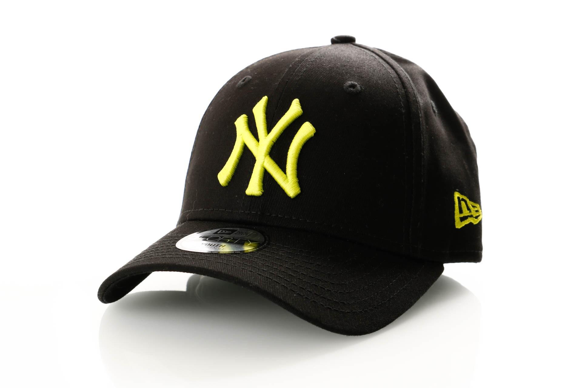 Foto van New Era Kids League Essential 9Forty 11871493 Dad Cap Black/Cyber Green New York Yankees