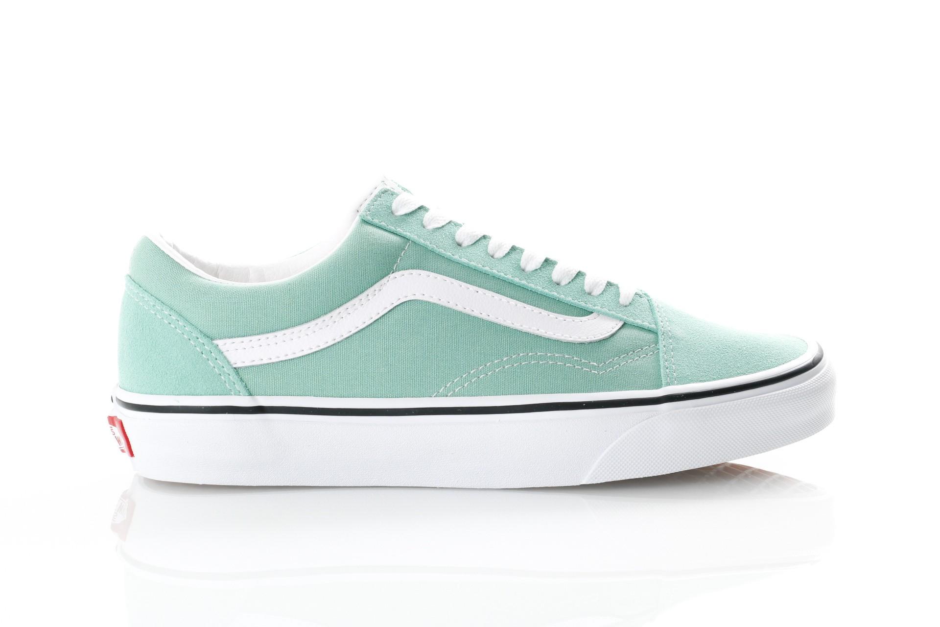 Foto van Vans UA Old Skool VN0A38G1VMX Sneakers neptune green/true white