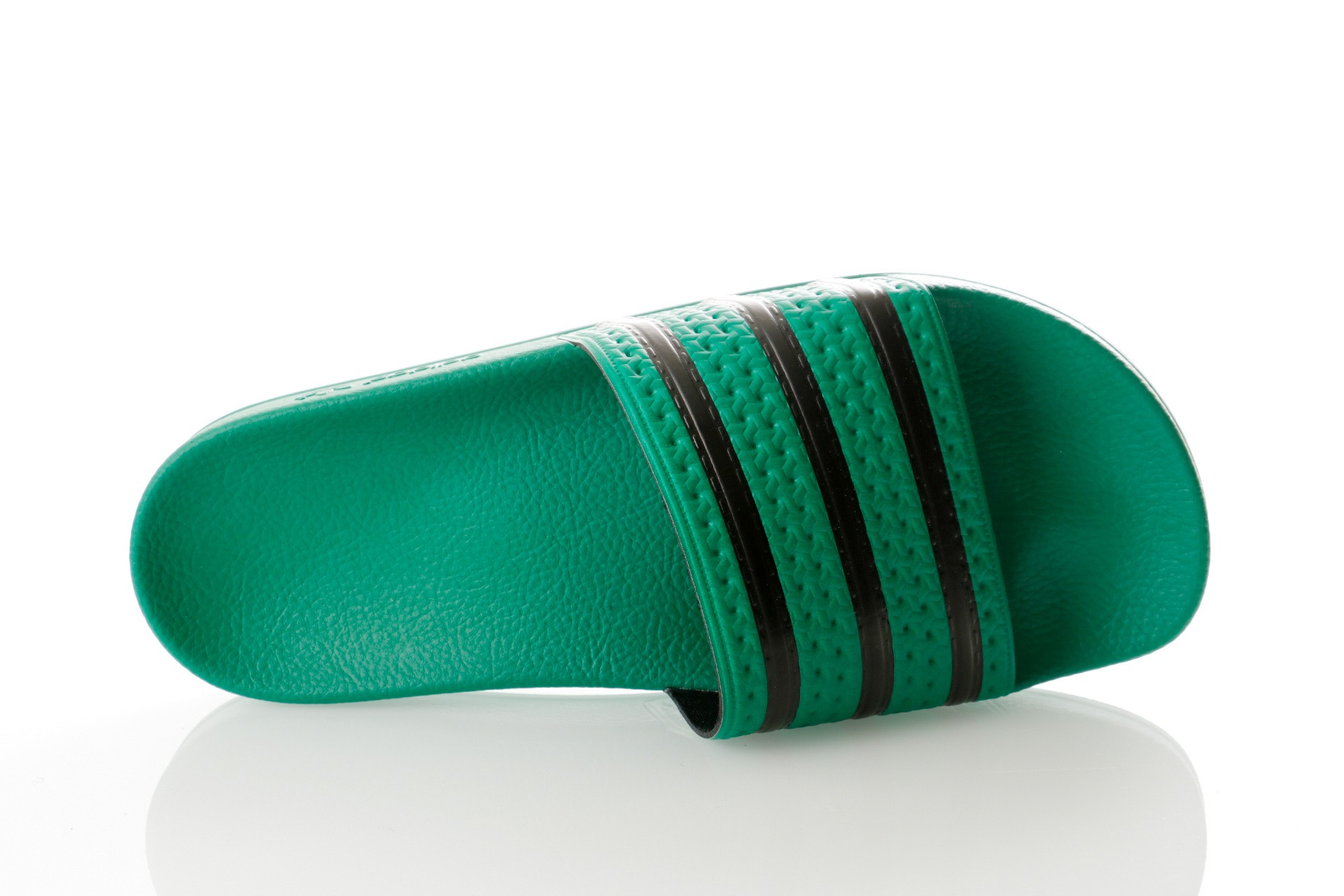 Foto van Adidas Adilette Cm8443 Slipper Bold Green/Core Black/Bold Green
