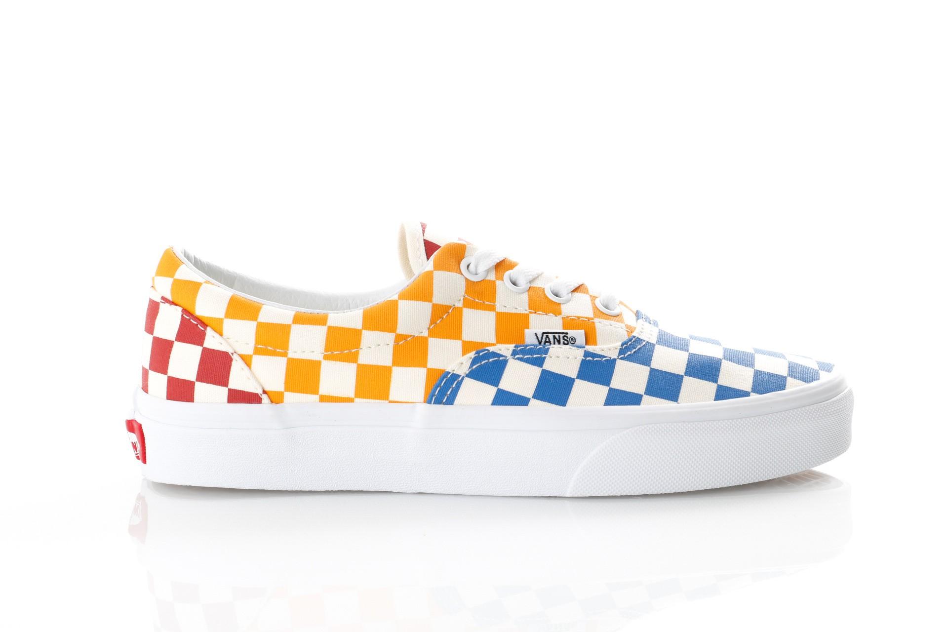 Foto van Vans UA Era VN0A38FRVLV Sneakers (Checkerboard) multi/true white