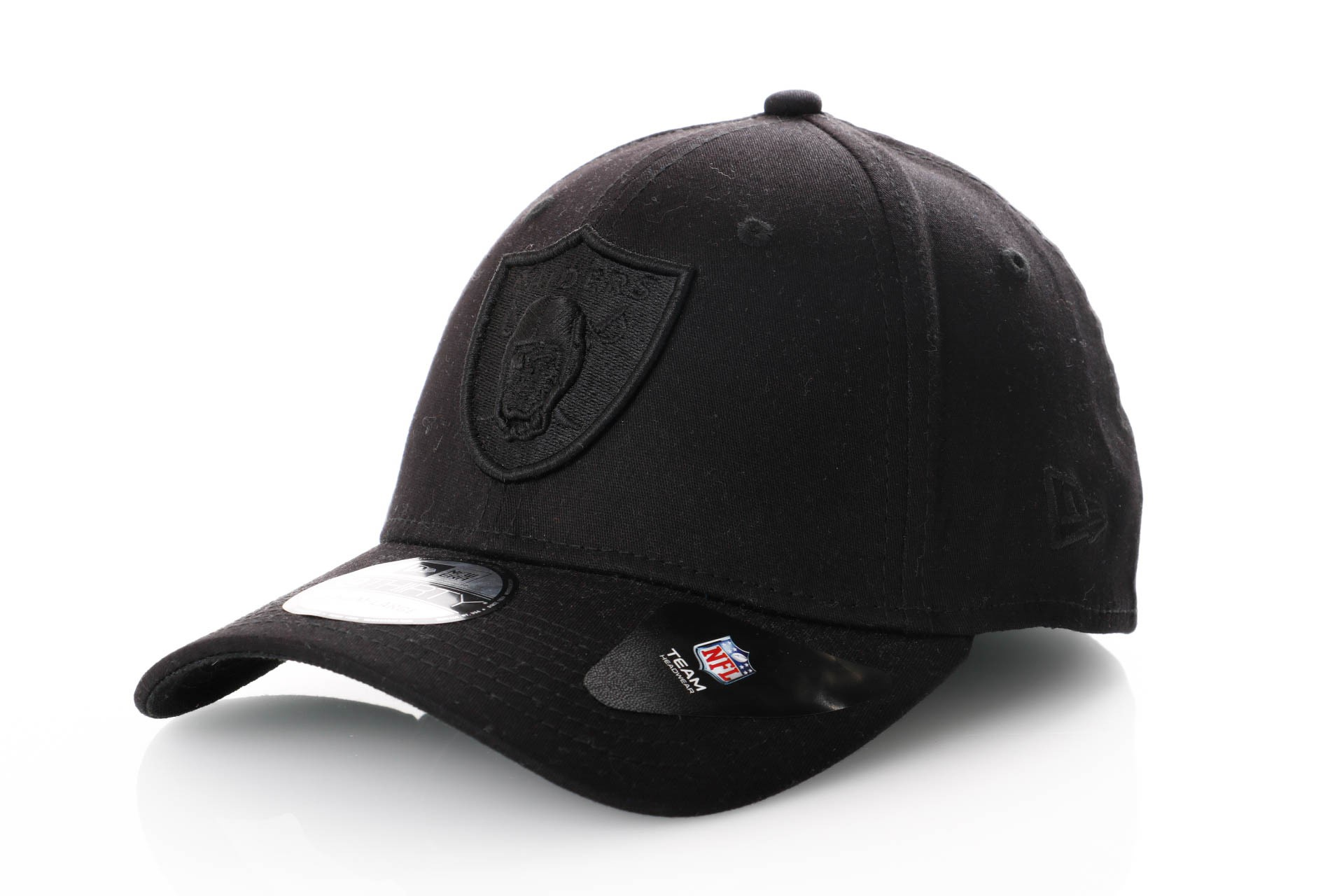 Foto van New Era Black On Black 39Thirty Oakland Raiders 80635951 Dad Cap Black/Black Nfl