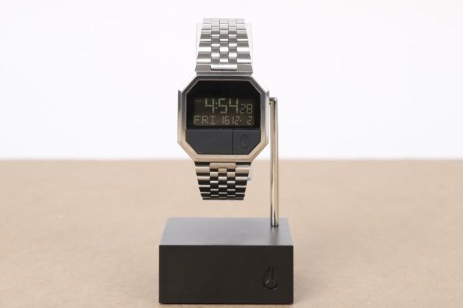 Foto van Nixon A158-000-00 Watch Re-run Zwart