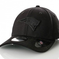 Afbeelding van New Era BLACK ON BLACK 39THIRTY NEW ENGLAND PATRIOTS 80635952 Dad Cap BLACK/BLACK NFL