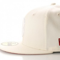 Afbeelding van New Era League Essential 11945534 Fitted Cap Off White Boston Red Sox