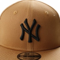 Afbeelding van New Era League Essential 9Fifty New York Yankees 11794686 Snapback Cap Wheat/Black Mlb