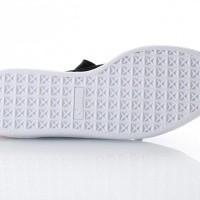 Afbeelding van Puma Ladies 366116-01 Sneakers Basket heart hyper emb Zwart
