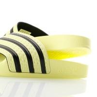 Afbeelding van Adidas ADILETTE CM8494 Slippers ice yellow/ice yellow/core black