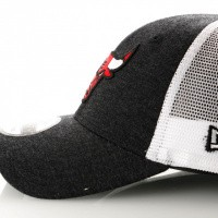 Afbeelding van New Era Summer League 9Forty 11945631 Trucker Cap Team Colour Chicago Bulls