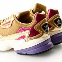 Afbeelding van Adidas Falcon W Cg6247 Sneakers Gold Met./Gold Met./Off White