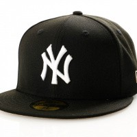 Afbeelding van New Era League Essential 11945531 Fitted Cap Black New York Yankees