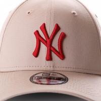 Afbeelding van New Era League Essential 9Forty 11871475 Dad Cap Camel/Hot Red Mlb New York Yankees