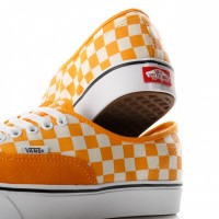 Afbeelding van Vans Ua Comfycush Authentic Vn0A3Wm7Vnc Sneakers (Checker) Zinna/True White