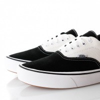 Afbeelding van Vans Ua Comfycush Era Vn0A3Wm9N8K Sneakers (Suede/Canvas) Black/Marshmallow