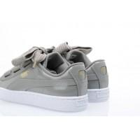 Afbeelding van Puma Ladies 363073-12 Sneakers Basket heart patent Grijs