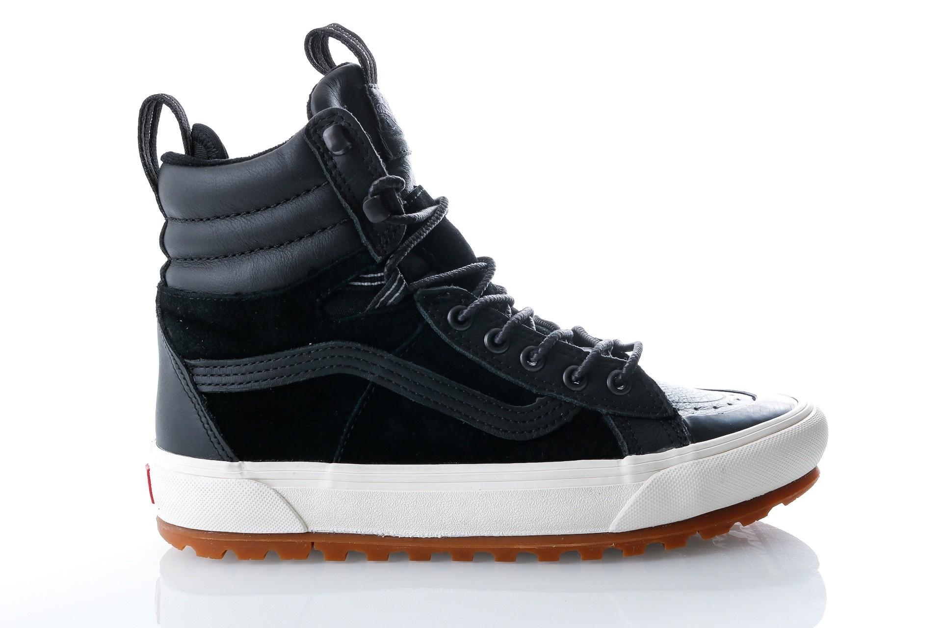 Foto van Vans UA SK8-Hi Boot MTE DX VA3ZCFI28 Sneakers (MTE) black/marshmallow