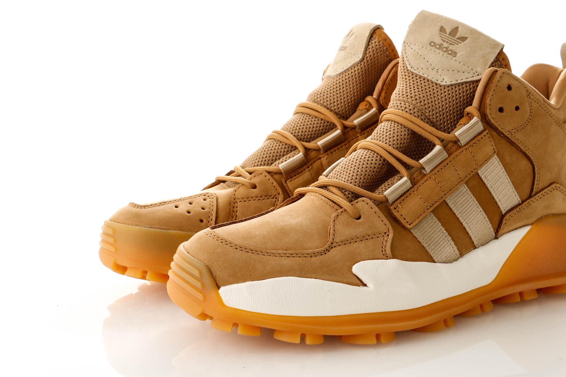 Foto van Adidas F/1.3 LE B43663 Sneakers mesa/RAW GOLD S18/cloud white