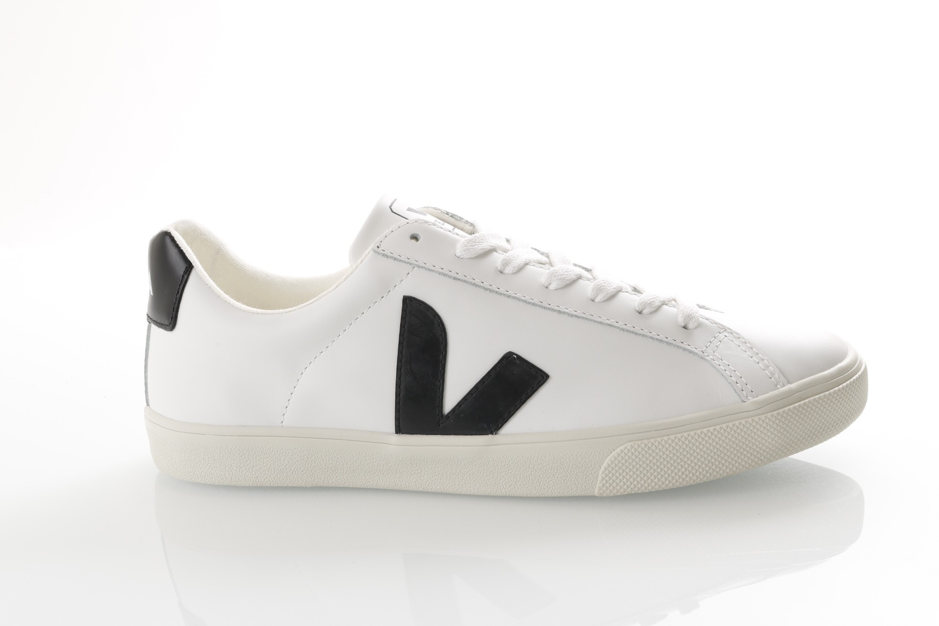 Foto van Veja Esplar Logo Eo020005 Sneakers Extra White / Black